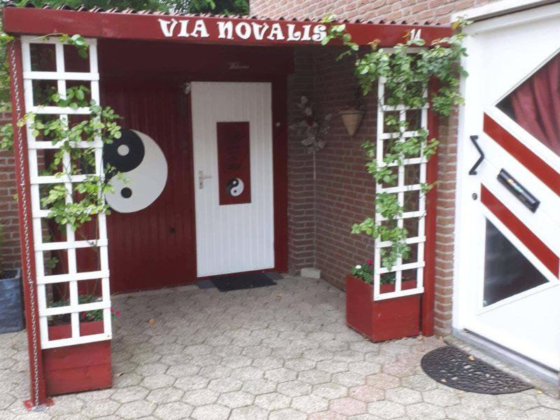 Via-Novalis-Ingang-Healing-en-Meditatie-Centrum